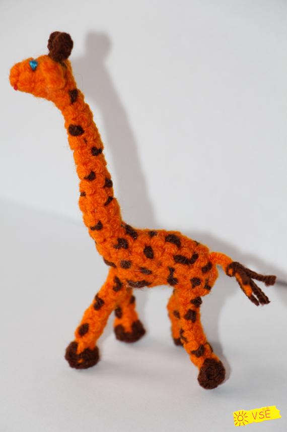 Жирафик, вязанный крючком