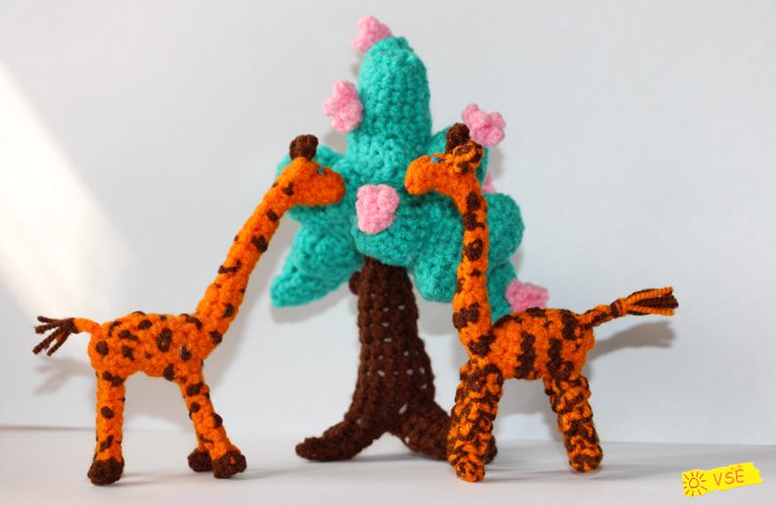 Жирафики и Дерево, вязанные крючком