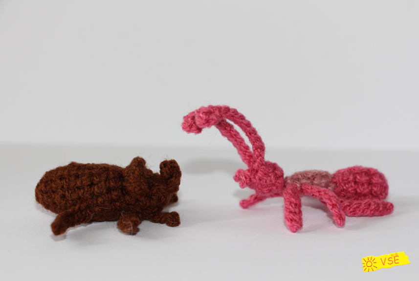 жук носорог и муравей