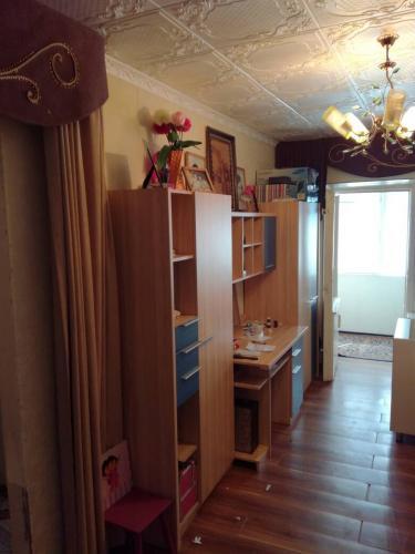 Продаю 1,5 комнатную квартиру в 7 микрорайоне дом 5 инд. 5/5 не угол. АН 31000$