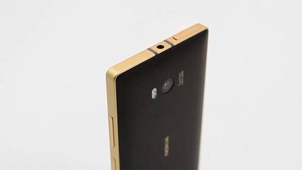01-39-19-unboxing_nokia_lumia_930_gold_edition_01.jpg
