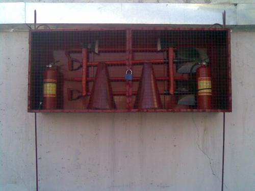 Пожарный_щит_закрытого_типа.jpg