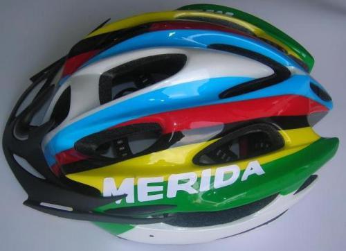 шлем_мерида_разноцветный.jpg