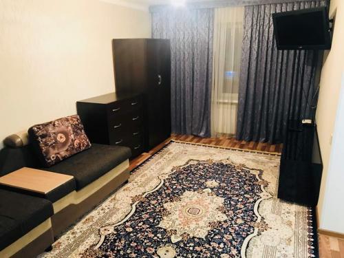 Продаю 1 комнатную квартиру (в центре)