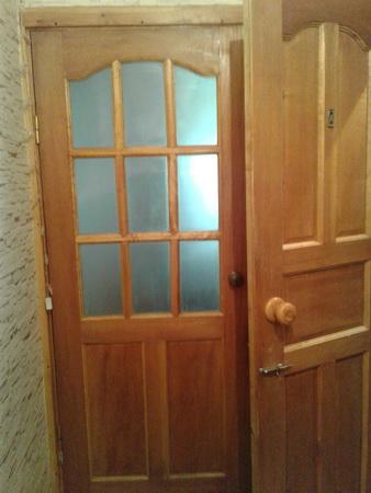 Продаю 1 комнатную кв Восток-5 1этаж из 5, 105 серии