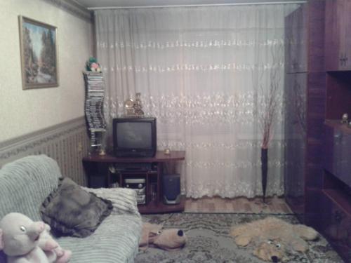 Продаю 1 комн.кв.104 сер.,этаж 4/5,не угловая,р-н Гоголя/Боконбаева(центр.Мечеть).Б/П