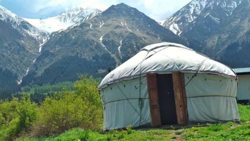 shamshy yurt.jpeg