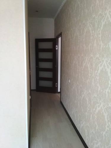 Продаю 1 ком квартиру 106 улучшенной серии,ан,в мкр Солнечный
