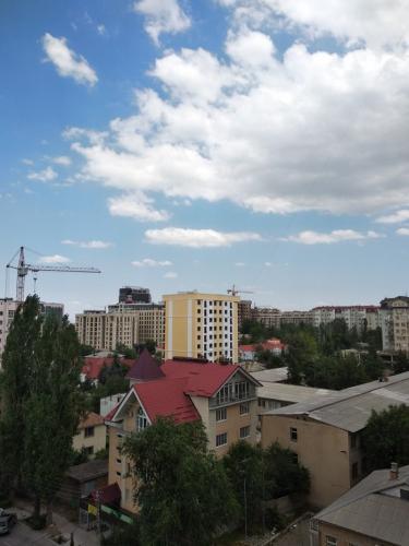 3 ком. квартира, 101 кв.м., ПСО, 630$ за квадрат, в центре города, золотой квадрат, Панфилова/Боконбаева