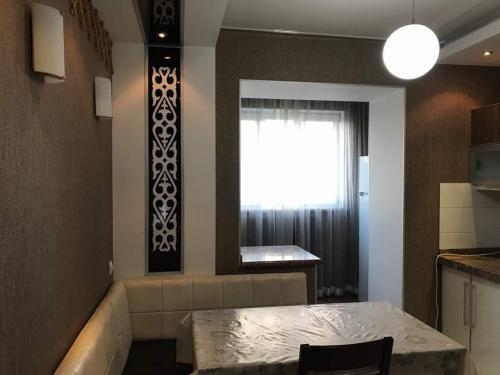 Продаю 3х кв в кирп.доме на 4м этаже из 7ми S-80м2(Ремонт) в Верхнем Джале 75000$мини торг ан