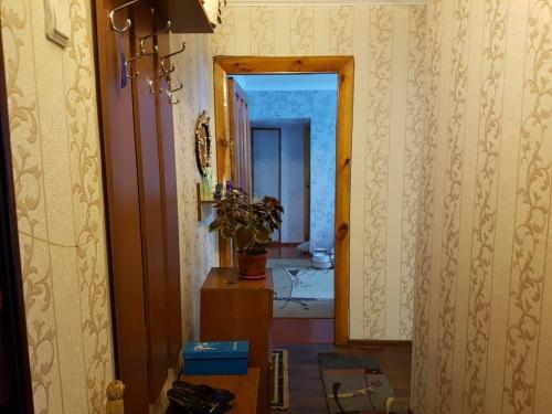 Продаю 3х кв на 4м этаже из 4х 104с в 9мкр по Советской цена 45500$ мини торг ан