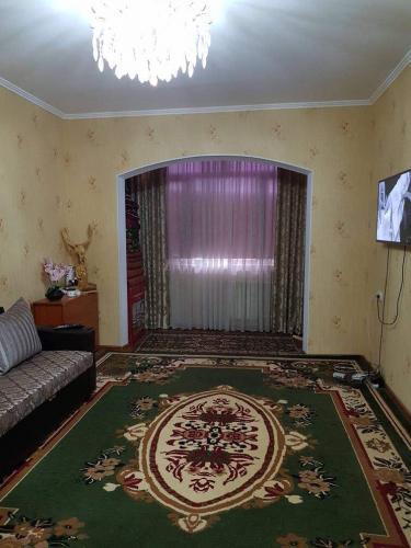 2 ком квартира , с ремонтом и мебелью. в отличном состоянии 106улуч