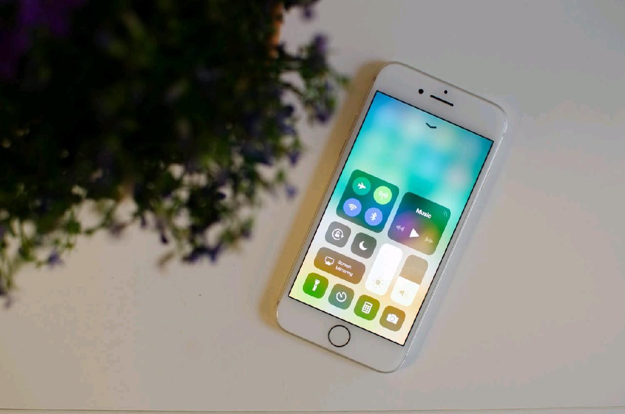 iphone-8-display.jpg