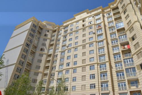 Продаю! 2хком 75м2 8этаж Ахунбаева/ Тыналиева Имарат строй Сремонтом тех паспорт есть! Без посредников