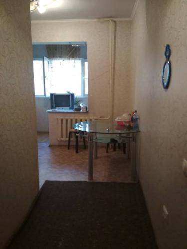 Продается 1-комнатная квартира, н/у,4/9,35 м2,а/н.мкр Нижний Джал. Цена:32500$