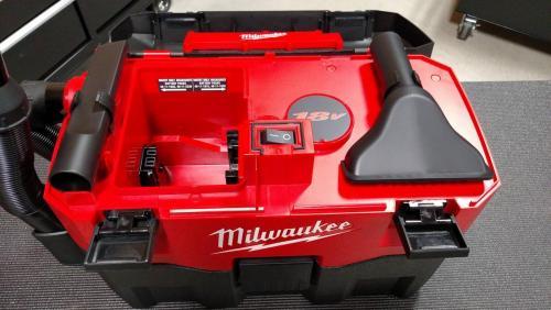 Milwaukee_18V_Vac_Onboard_Storage.jpg