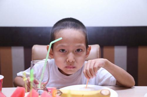 Adylisa_is_eating.jpg